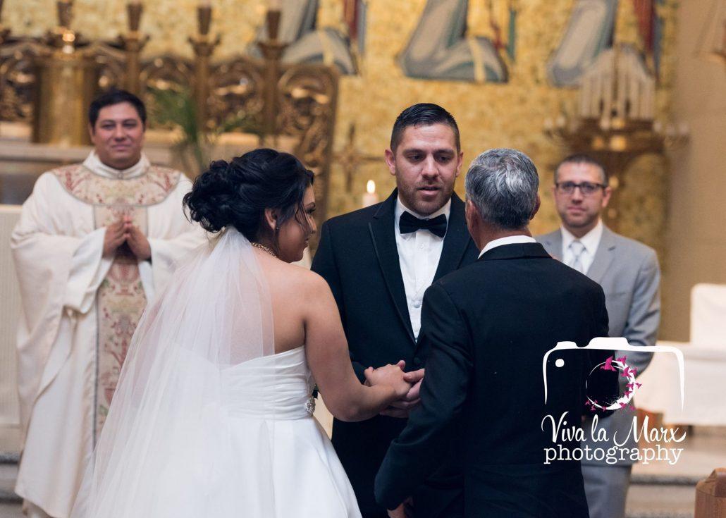 laura-josh-houston-based-photographer-wedding-18