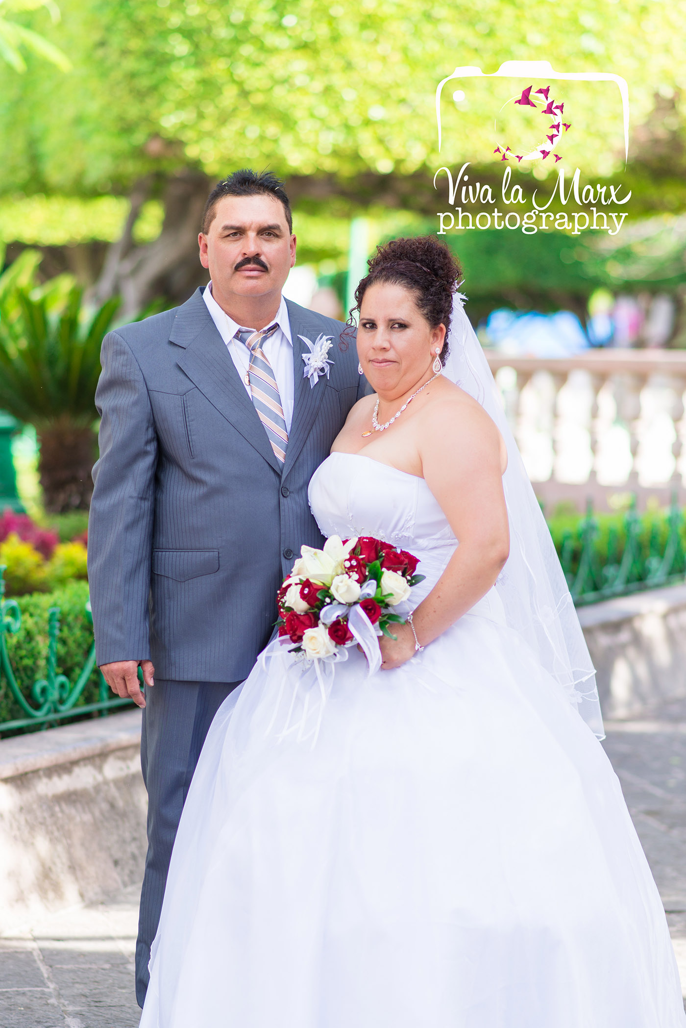 Catalina and Jose decided to join their lives in marriage after 5 years of having met, and two children later. They are a handful, however, they are proof that a new life can be started when you really try.