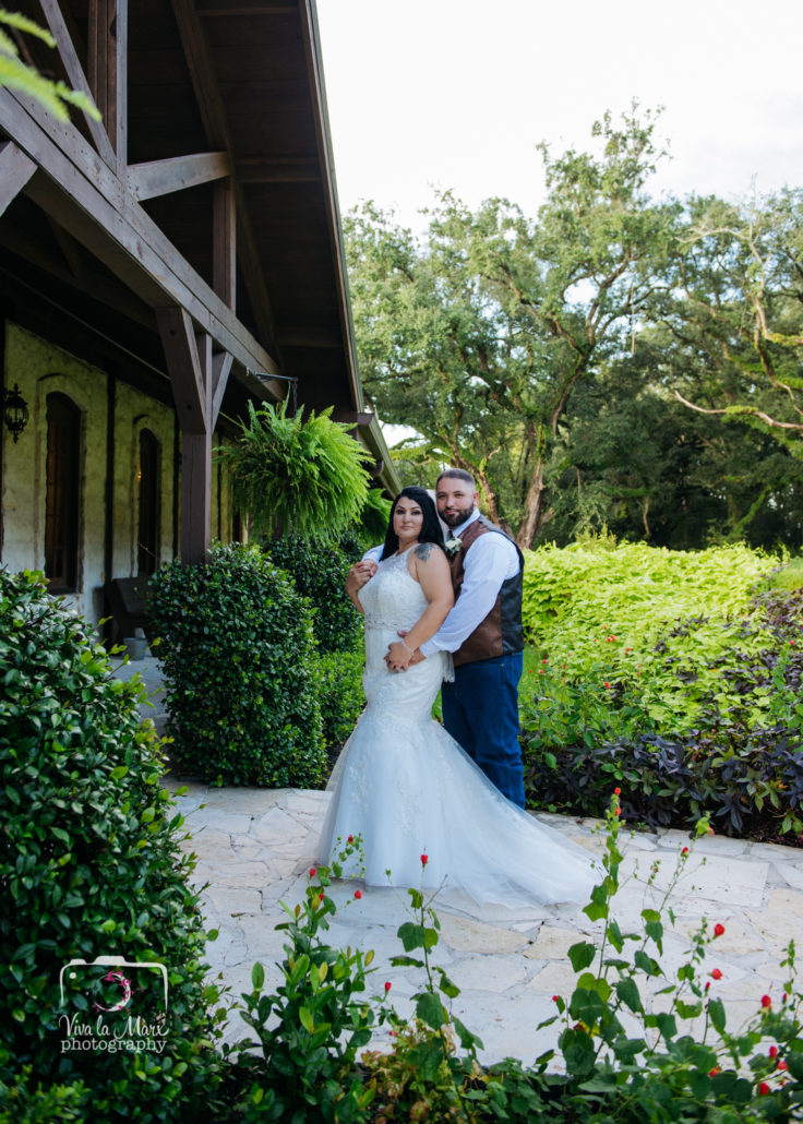 Pareja de Novios en The Springs Event Venue in Angleton, Texas