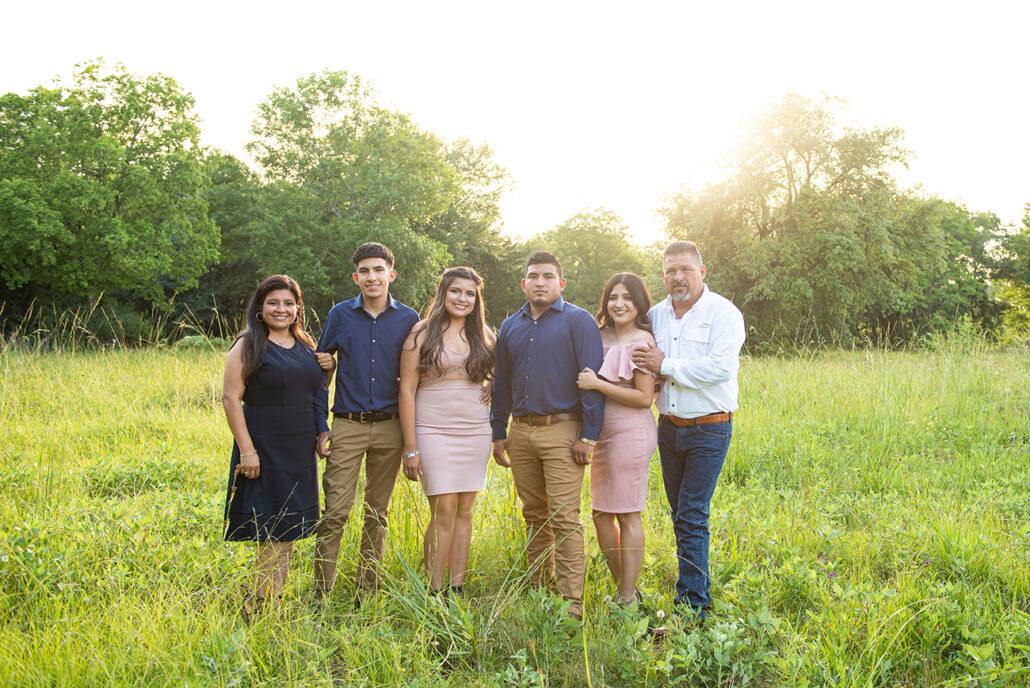 Family photographer in Alvin, Texas